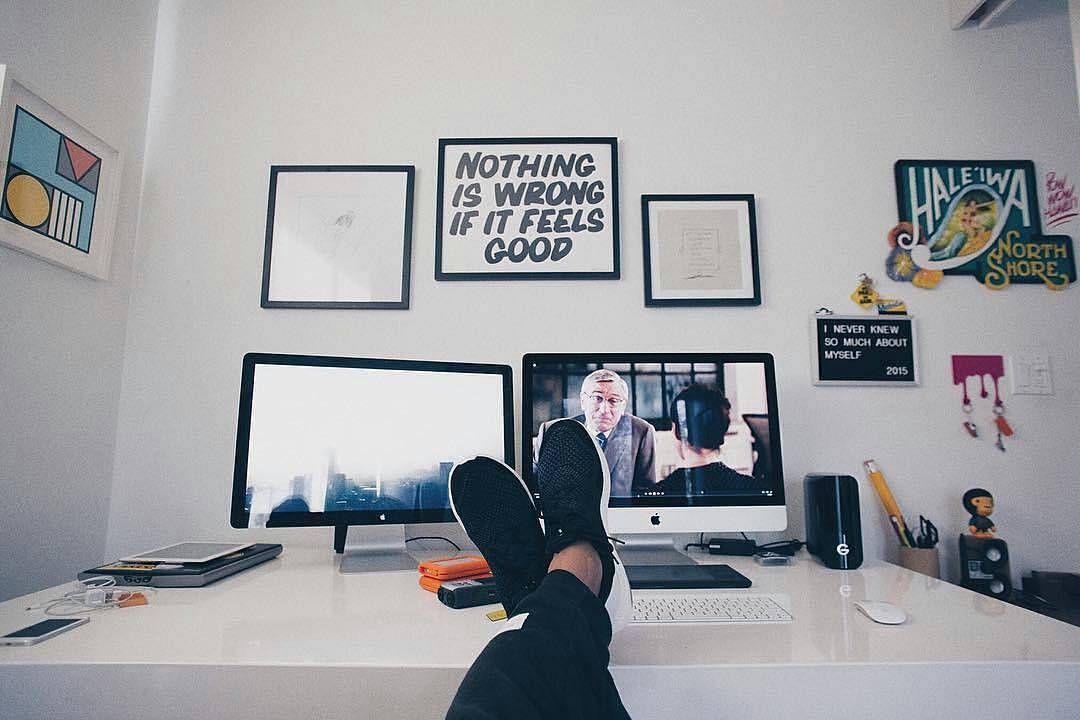 from: @jatecson  #apple #applegeek #macintosh #photographer #everydaycarry #workspace #html5 #geek #developer #workplace #javascript #myvideobag #webdeveloper #coder #macbook #ux #php #programming #mysql #softwaredeveloper #canon600d #designer #xiaomiyi #arduino #designer #workstation #uxdesign #canon5d #geeks by design_and_code