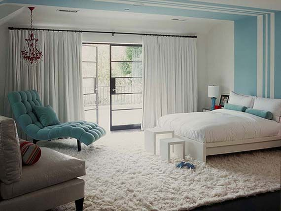 Bedroom paint detail