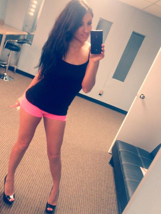 Sexyblock The Sexiest Site In The World Scarlet Banks Is A Cutie