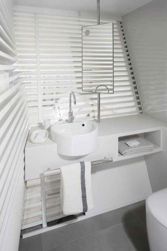 Minimalist Hotel Room: TheDesignerPad - TheDesignerPad - WARM MINIMALISM