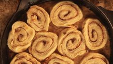 The Pioneer Woman's Pecan Sticky Buns Are Pure Cast Iron Heaven #stickybuns