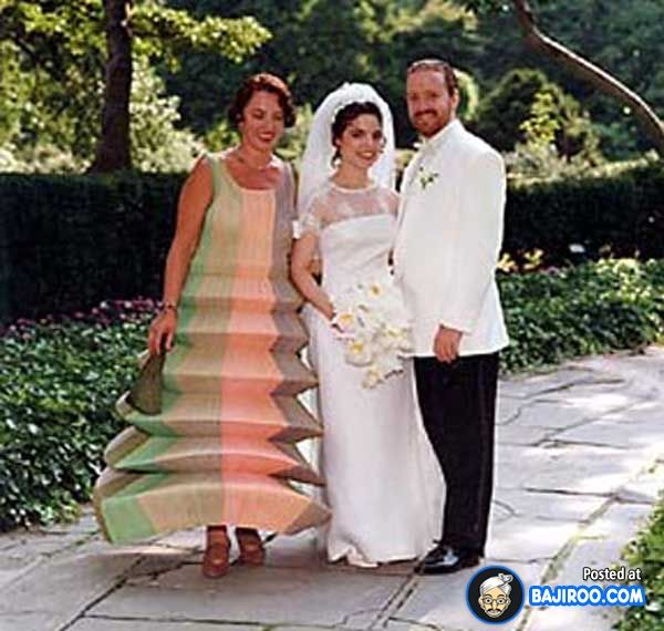 Ugliest Celeb Wedding Dress: What Was Mom Thinking?