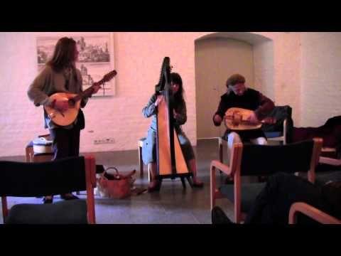 Härkätien Leikarit: Amoroso (italian dance from 15th century) - YouTube