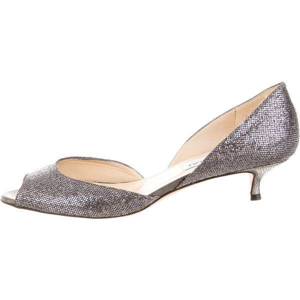Jimmy Choo d'Orsay Pumps (550 BRL) ❤ liked on Polyvore featuring shoes, pumps, metallic, peep toe pumps, d'orsay pumps, jimmy choo shoes, kitten heel peep toe pumps and glitter peep toe shoes