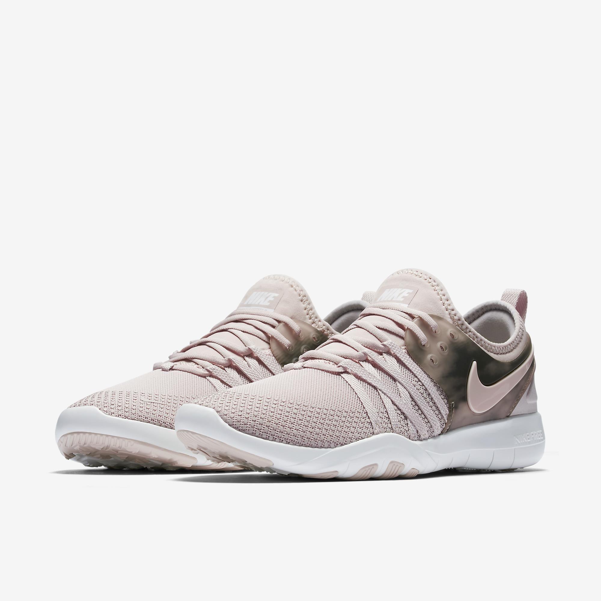 Tênis Nike Free TR 7 AMP Feminino  37828dbc65ce7