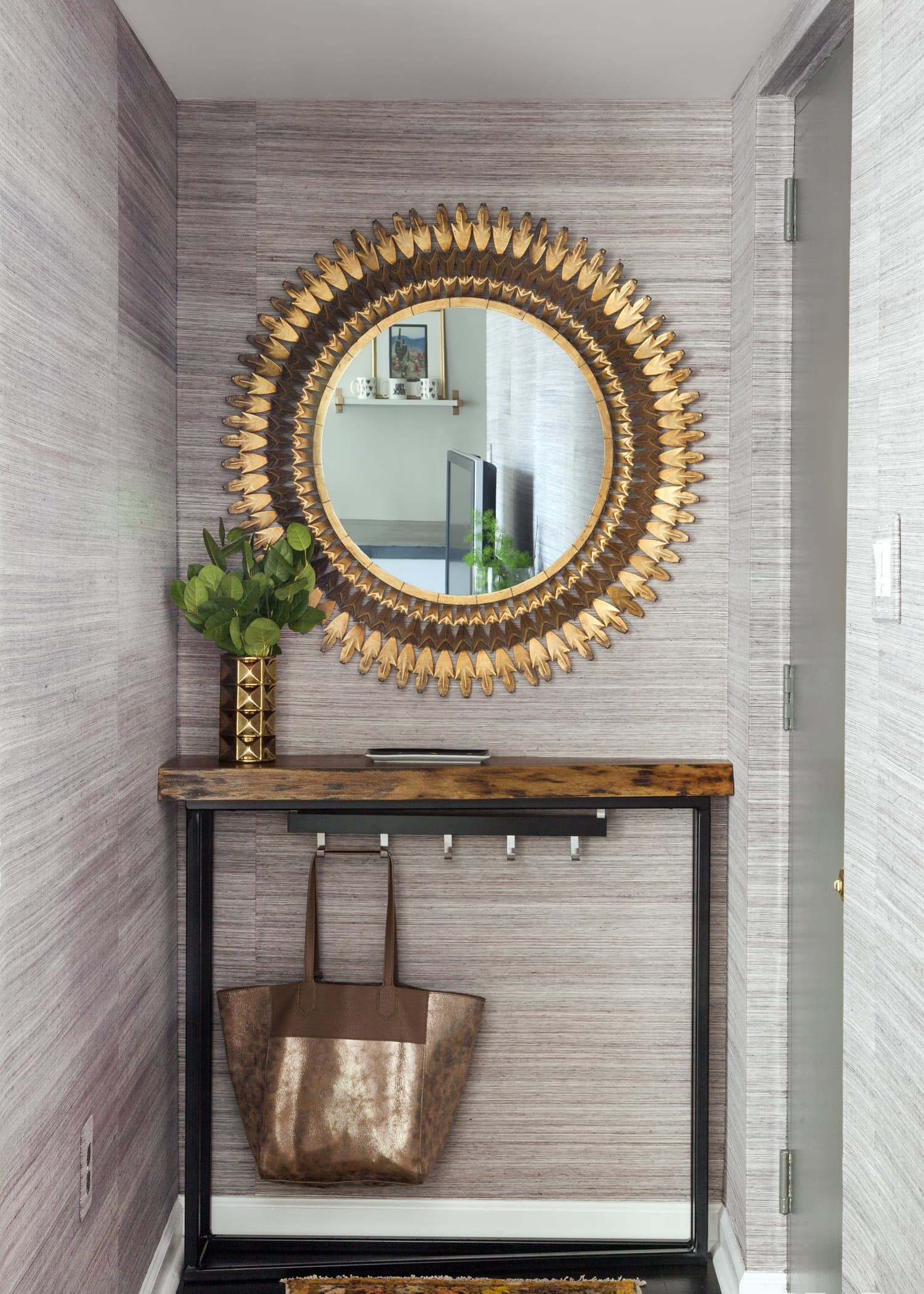 fab decor entryway ideas spaces for wall small inspirations top lighting decorating foyer