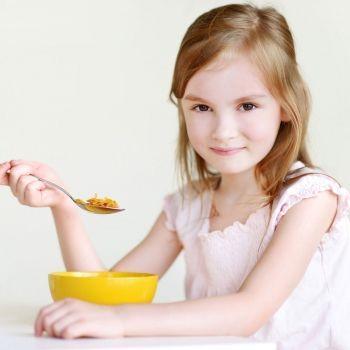 Qué Cereales Son Los Más Adecuados Para El Desayuno De Los Niños Alimentacion Bebe Niños Cuidados De Bebes