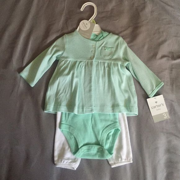 CARTERS INFANT OUTFIT THREE PIECE PASTEL GREEN OUTFIT FROM CARTERS. NEW WITH TAGS AND HANGER STILL ATTACHED. Tops