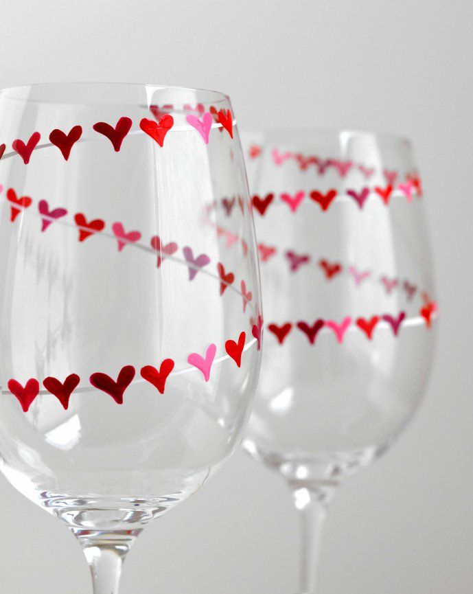 set of 2 L/'Amour Engraved Valentines Champagne Flutes Red heart