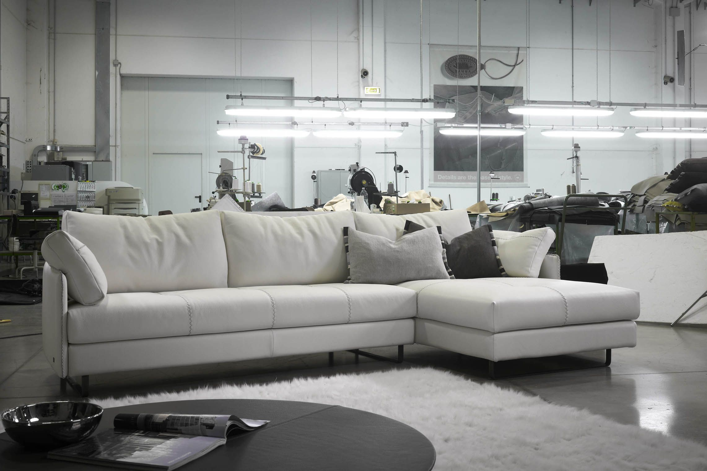 """Swing"""" sectional by GAMMA BestLeather"""