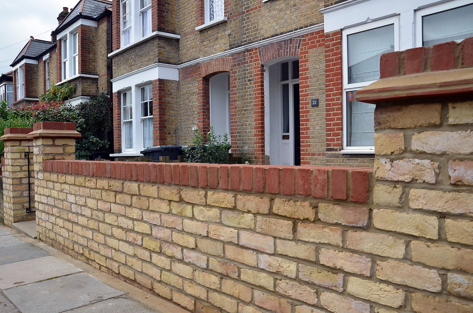 London brick work pillars for front garden wall google for Victorian garden walls designs
