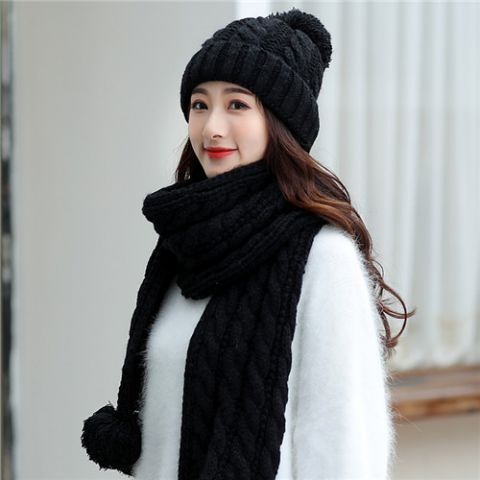 cbead504e66 Rabbit fur beret hat hat and scarf set for women winter wear