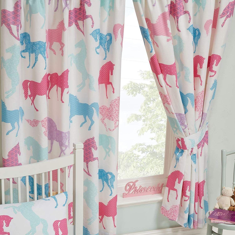 Tolle Vorhänge für das Kinderzimmer kleiner Pferde Fans
