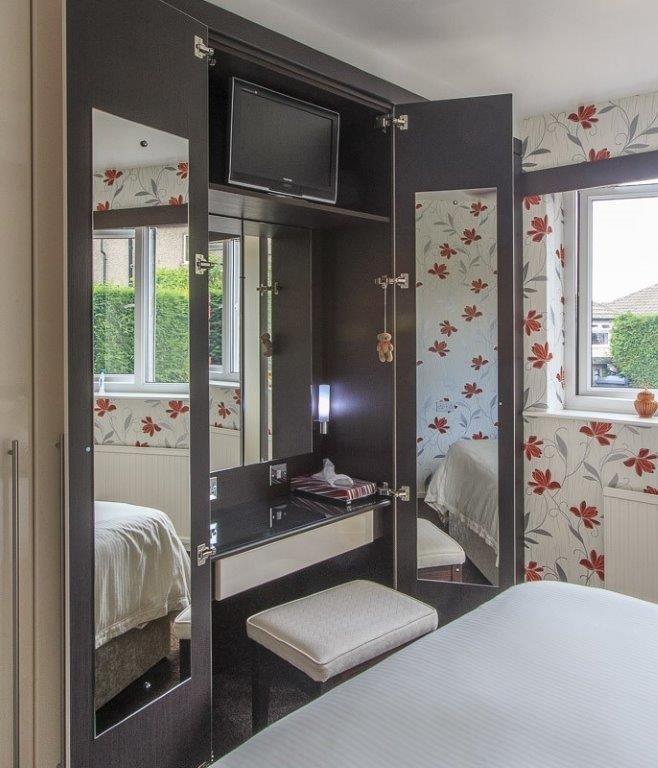 The Joys Of Bespoke Fitted Furniture Compact Vanity Unit Built Into Cream Gloss Wardrob Interior Design Living Room Creative Home Decor Interior Design Diy