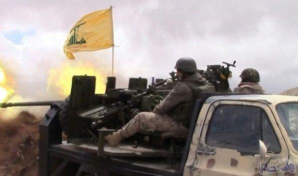 حزب الله يستهدف ارهابيي النصرة اثناء محاولتهم…: حزب الله يستهدف ارهابيي النصرة اثناء محاولتهم حفر خندق في جرود عرسال