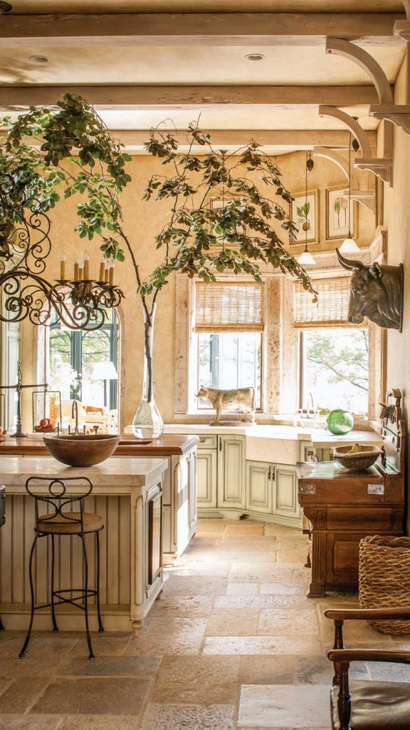 Photo of This La Cornue Range Is Right at Home in An Exquisite French-Style Chateau – Page 4 of 4 – Southern Home Magazine
