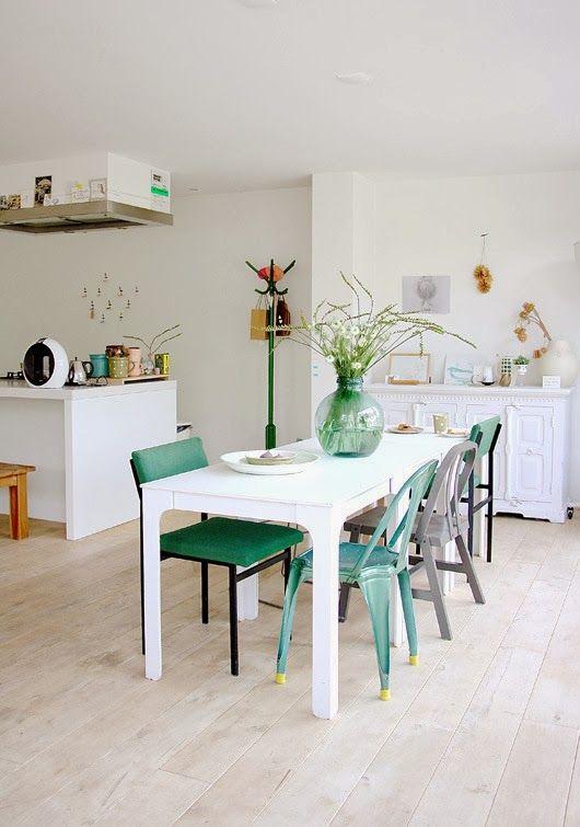 A Bright White And Airy Dutch Home Coin Salle A Manger Chaises