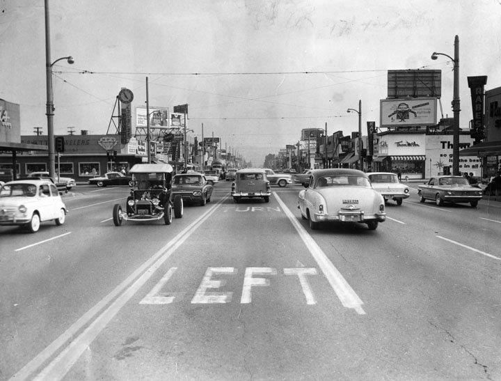 Remember When We D Cruise The Roads In Our Pride And Joy This Was In The Early 60 S Street Scenes Los Angeles Scenes