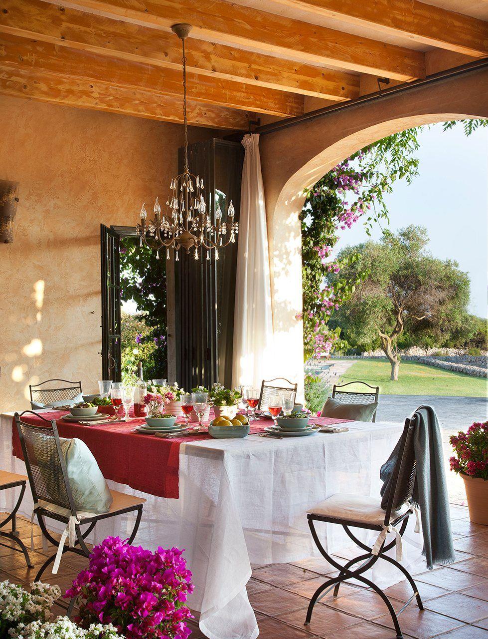 4 comedores de verano para inspirarte for Comedores de terraza chile