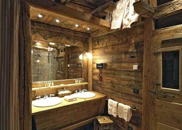 salle de bain style chalet bathrooms pinterest rustic interiors bath room and logs. Black Bedroom Furniture Sets. Home Design Ideas
