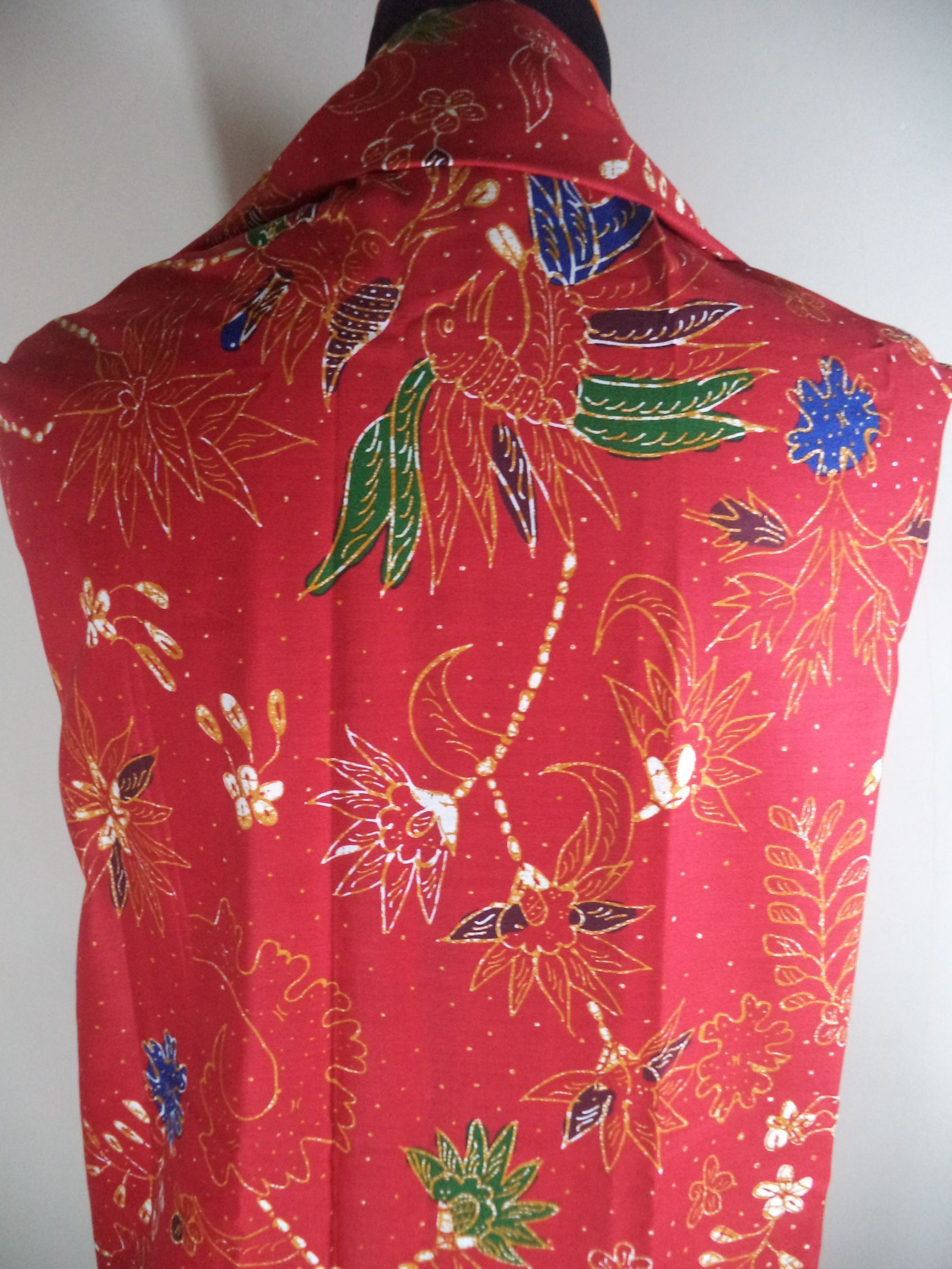 Kain Batik Motif Bunga Warna-warni Batik Cap tradisional handmade, bahan katun, ukuran: 1,15 x 2m