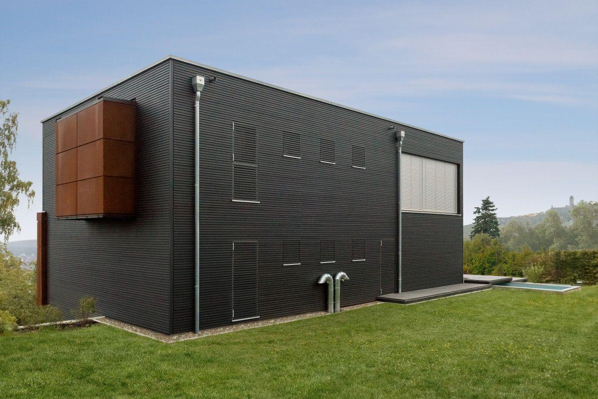 Holzfassade Schwarz designhaus mit holzfassade schwarz haus pawliczec baufritz