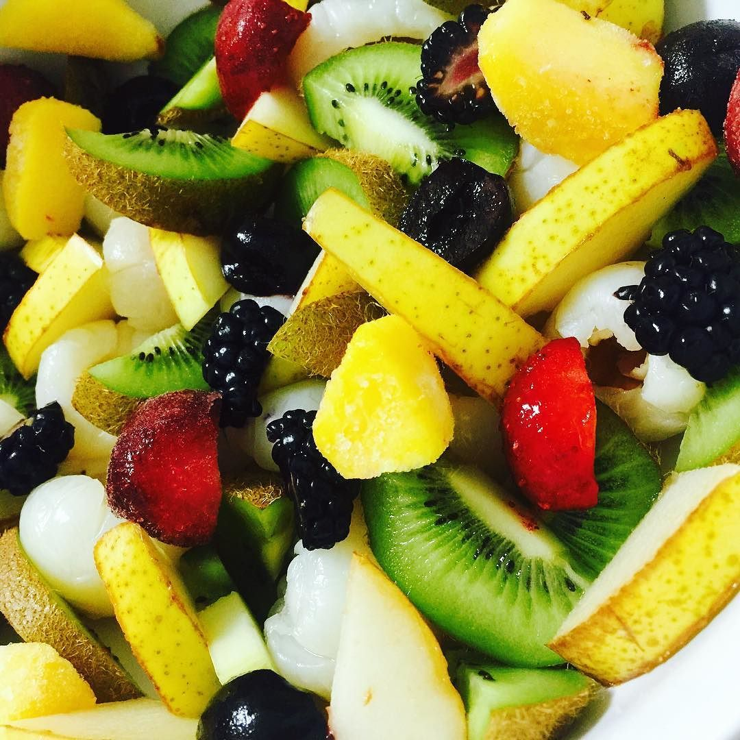 I just made this bowl of Organic Nature's Candy LiVE on my snapchat:@VegNbeautyShare Organically Grown: Kiwis Pears Strawberries Cherries Lychees Mangoes Blackberries & Compassion!  I highly recommend you download the app to add me.  Let me inspire you on the daily of what I eat/cook in a day & more of what Ive to say and share on Ethical Veganism! If I can successfully convert thousands into Veganism JOIN ME to see if I can motivate you too as well or at least eat more consciously!  Ethic…