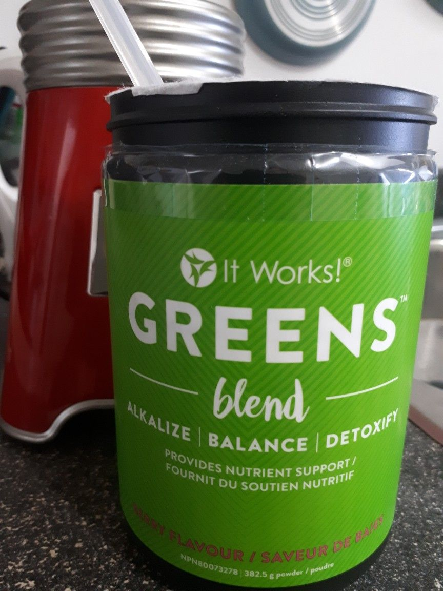 Natural blend of 34 vegetables, fruits, 52 superfoods and