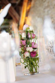 Tischdeko Hochzeit Viele Kleine Rosen Im Glas Sind Wunderschon