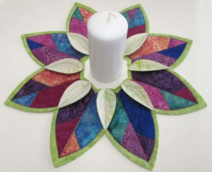 Batik Fold'n Stitch Leaf Topper Kit