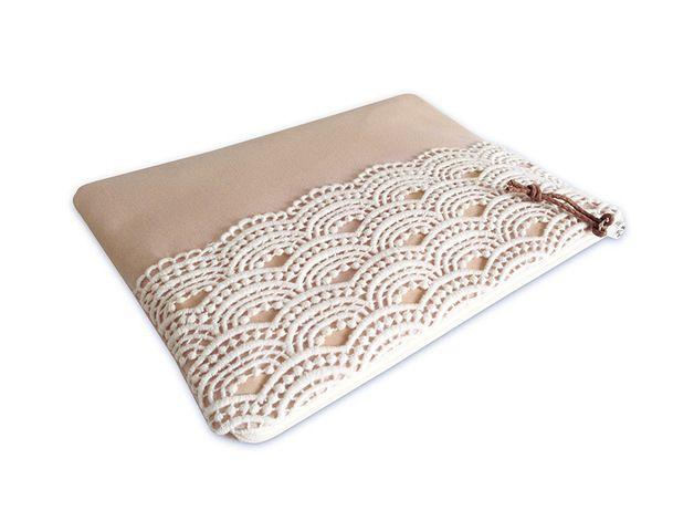 Brauttaschen - Clutch, Puder mit weißer Spitze Wave - ein Designerstück von mainzwirn bei DaWanda