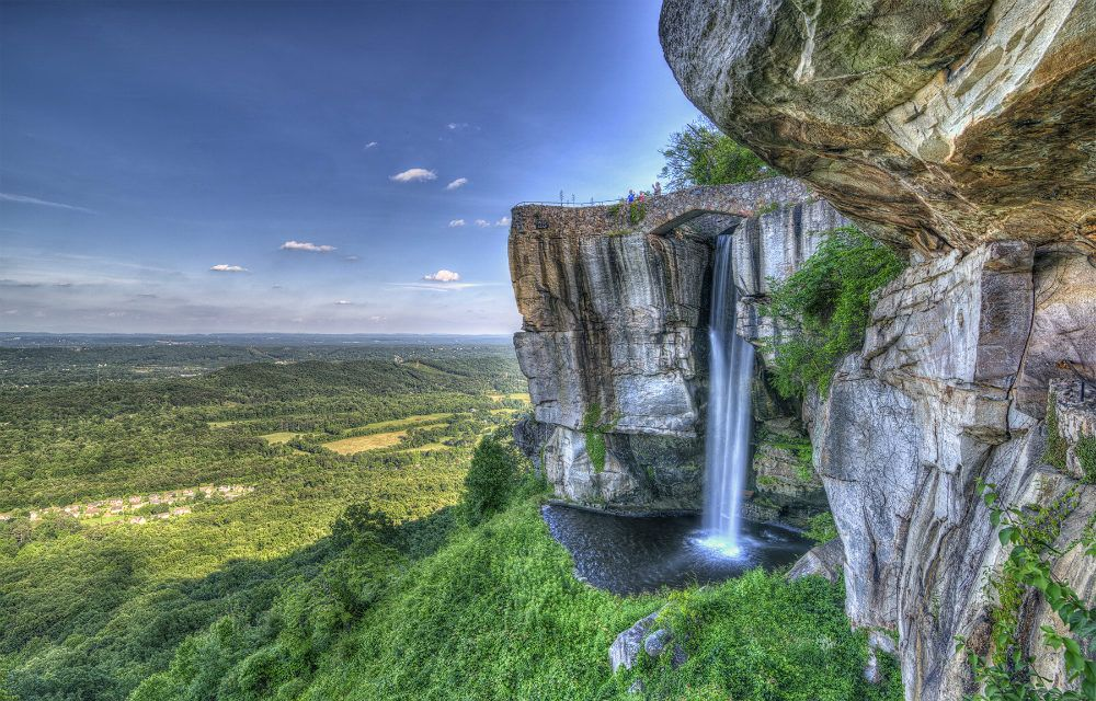 10 Best Things To See In Rock City On Lookout Mountain Near Chattanooga Tennessee Vacation Chattanooga Attractions Rock City Chattanooga