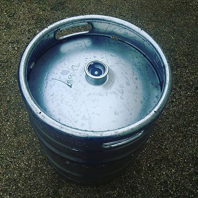 #herewego #keg to #keggle time #homebrew #homebrewing #brew #brewing #homebrewer #beer #beerporn #craftbeer #craftbrew #craftbeerporn #smallbatch #instabeer #beerpics