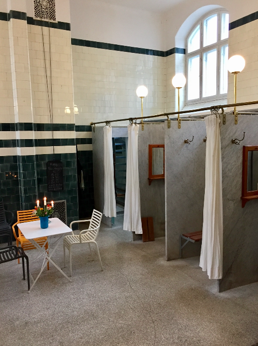 Euro Travel Coach goes to a Turkish bath and enjoys a brush with ...