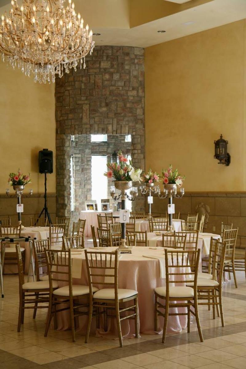 Weddings At The Ashley Castle In Chandler Az Wedding Spot Phoenix Wedding Venue Wedding Spot Phoenix Wedding
