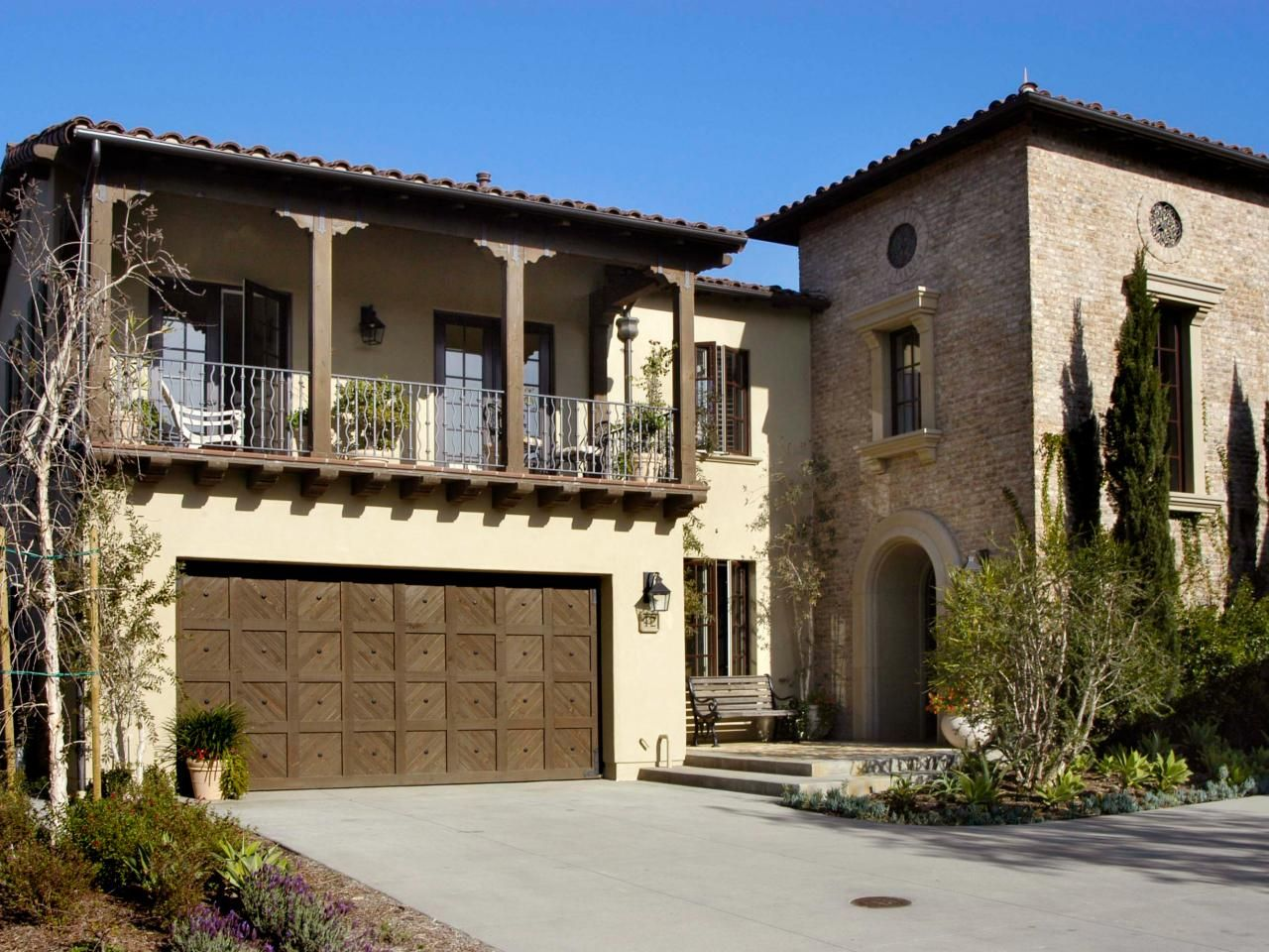 Spanish Style Homes Garage : Ideas for garage doors remodeling