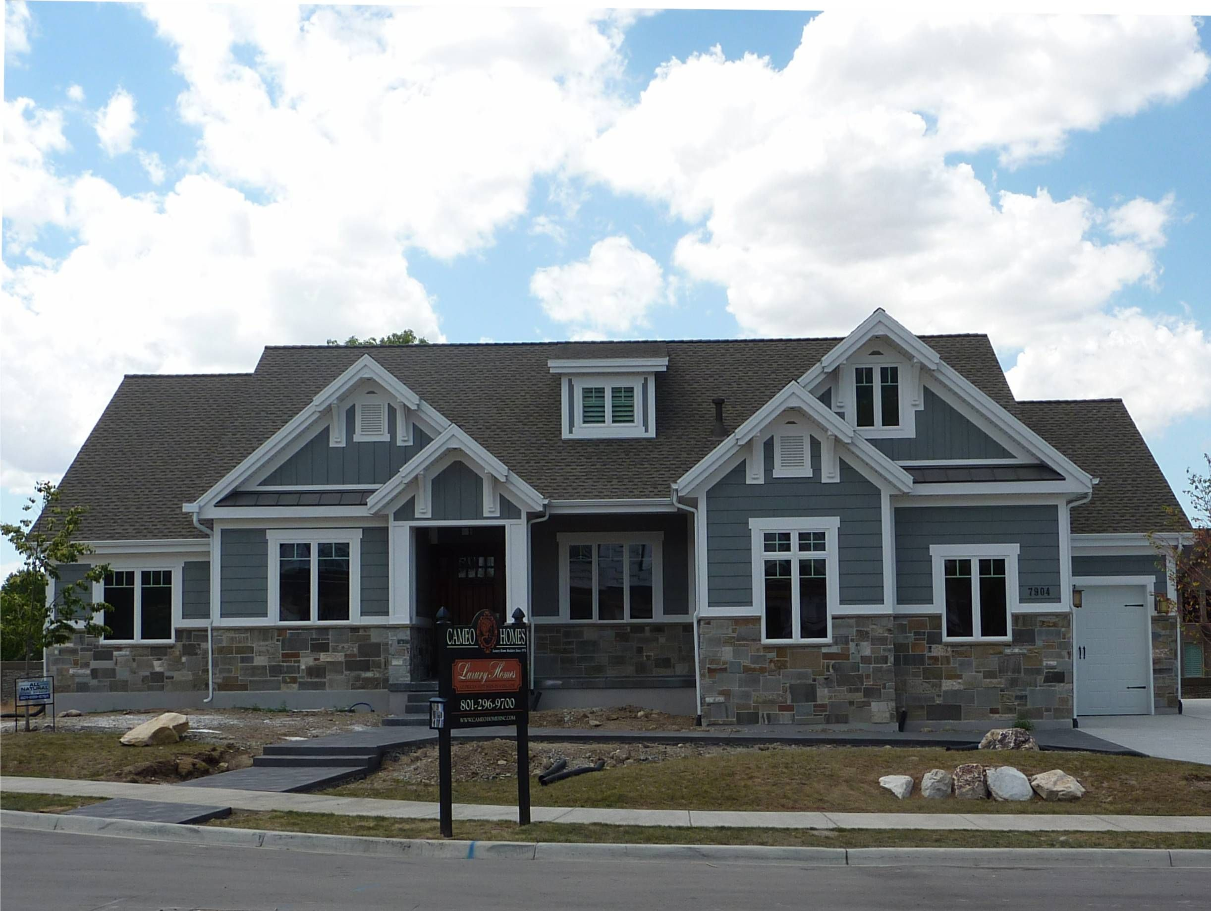 Brick And Stone Exterior Combinations Great Color Scheme Craftsman Exterior Paint Colors