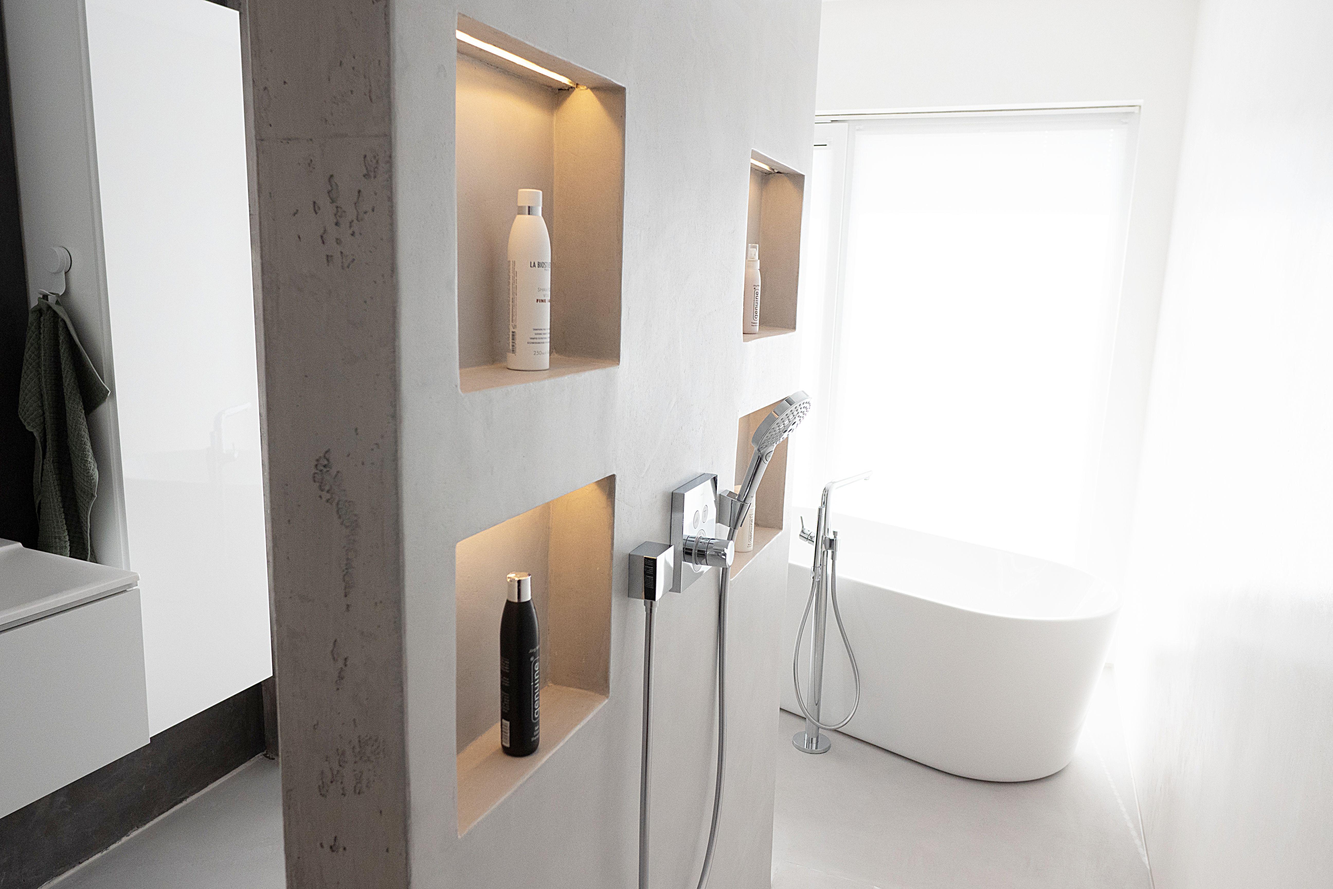 Badezimmer Ohne Fliesen Gestalten In 2020 Wandbeschichtungen Badezimmer Fliesen Badezimmer