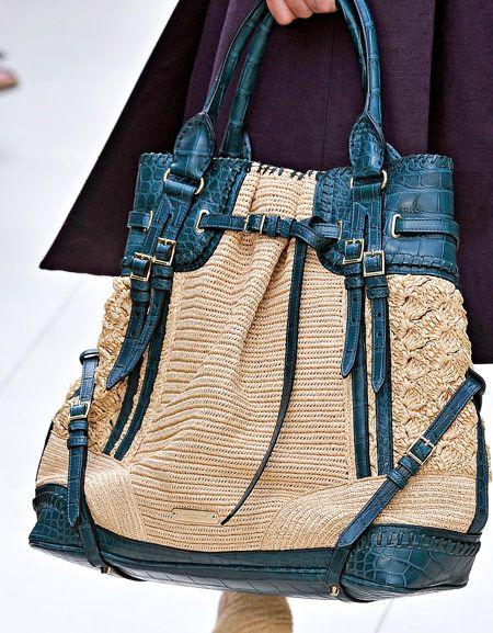 b1bf4c34e546 Burberry Spring 2012 Handbags (1)