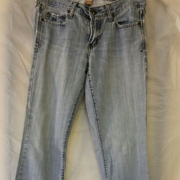 Abercombie boot cut jeans 4 Light wash worn jeansI Abercrombie & Fitch Jeans Boot Cut