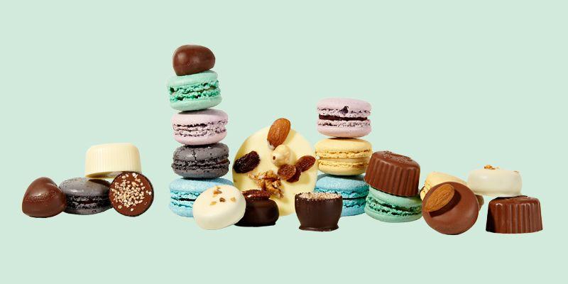 Herkut tarjolle kevään juhliin tai vappupiknikille. Macaronsit 2,00 €/kpl, Kaakaopuu, E-taso.