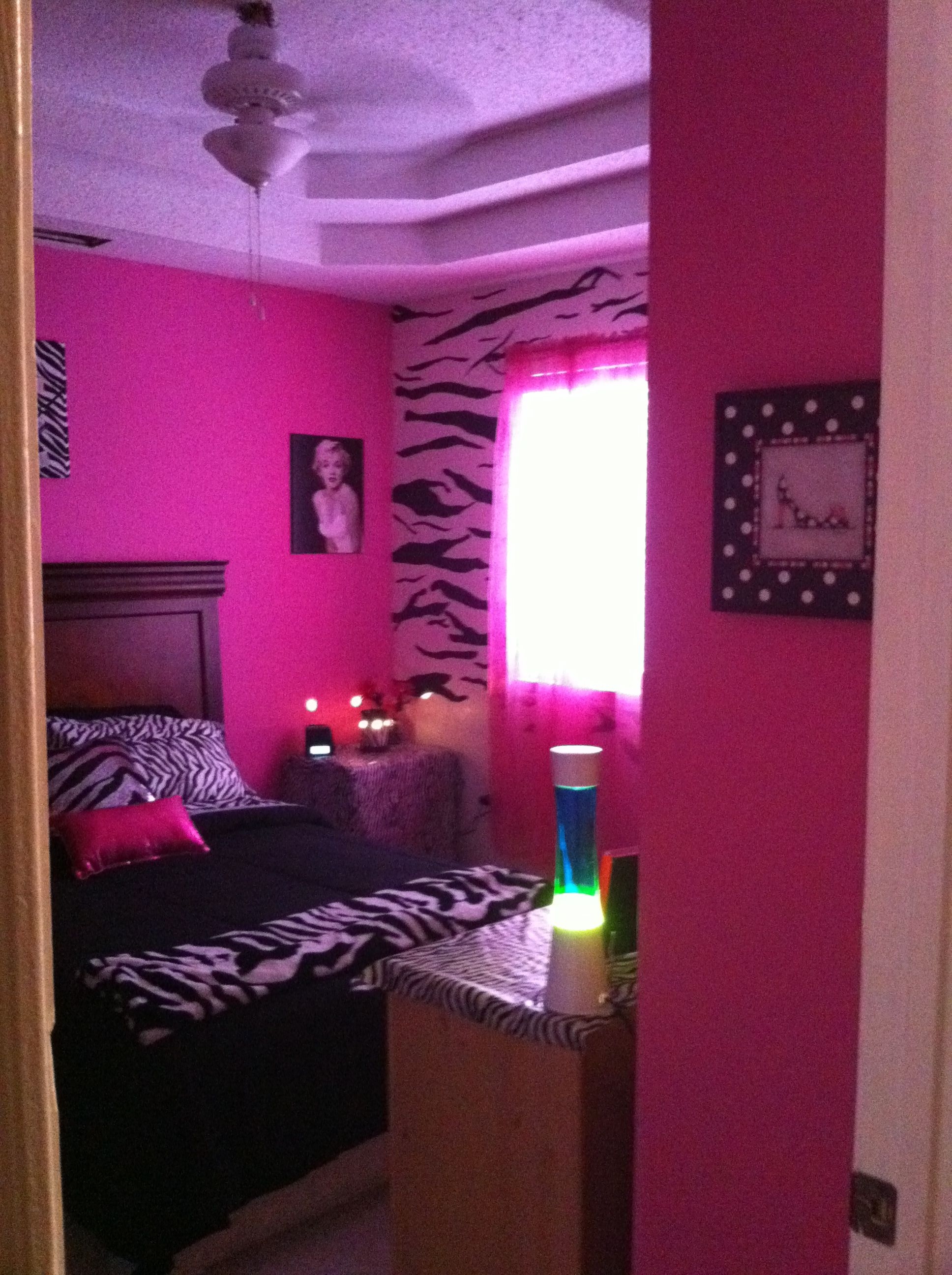 Zebra bedroom décor doesn't sound like the best idea… until you see tasteful examples of zebra print furniture, wall art and rugs in a tastefully decorated bedroom. Carried her sweet 16 design over to her Sweet 16 room. Hot