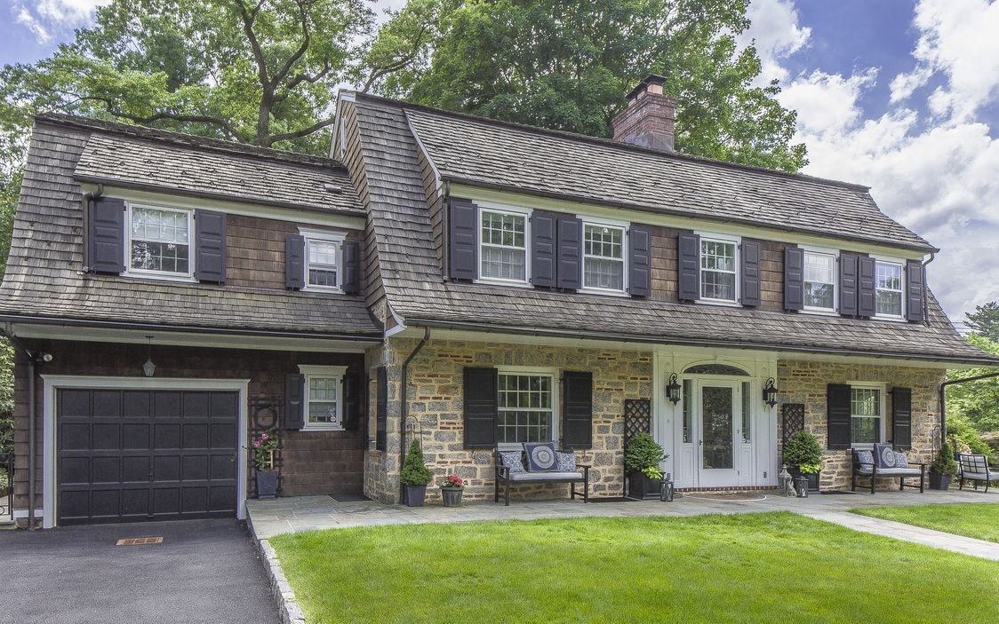A timeless dutch colonial style house in bronxville new for Dutch colonial house for sale