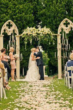 Ideas For Old Porch Columns Wedding Backdrop Google Search Wedding Outdoor Wedding Wedding Backdrop