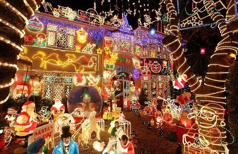 Christmas Lights House Decorations ♥ Home for Christmas