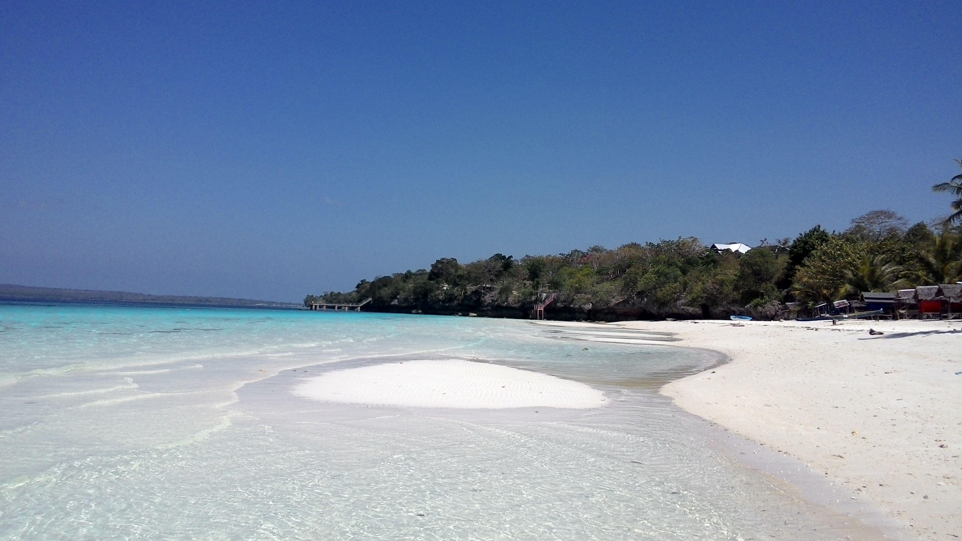 Pantai Nirwana, Bau-Bau di Baubau, Sulawesi Tenggara
