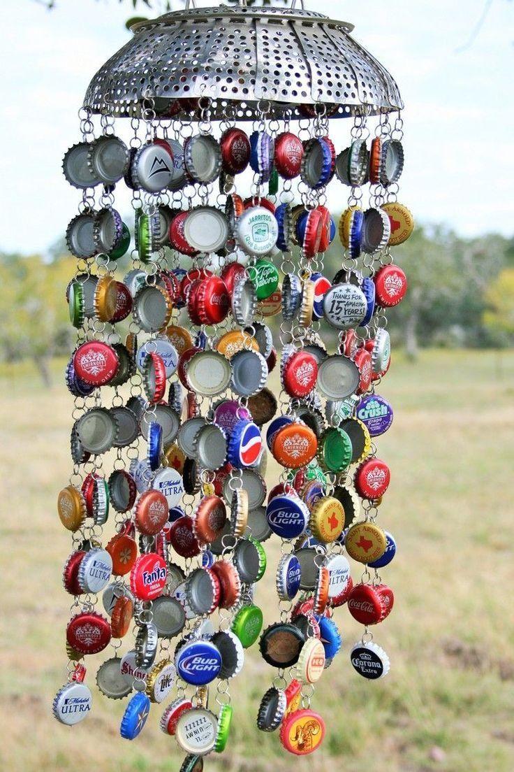 #flaschenverschlussen  #garten  #machen  #nudelsieb  #windspiele #Windspiele #für  Machen Sie Windspiele für den Garten mit Flaschenverschlüssen und Nudelsieb,