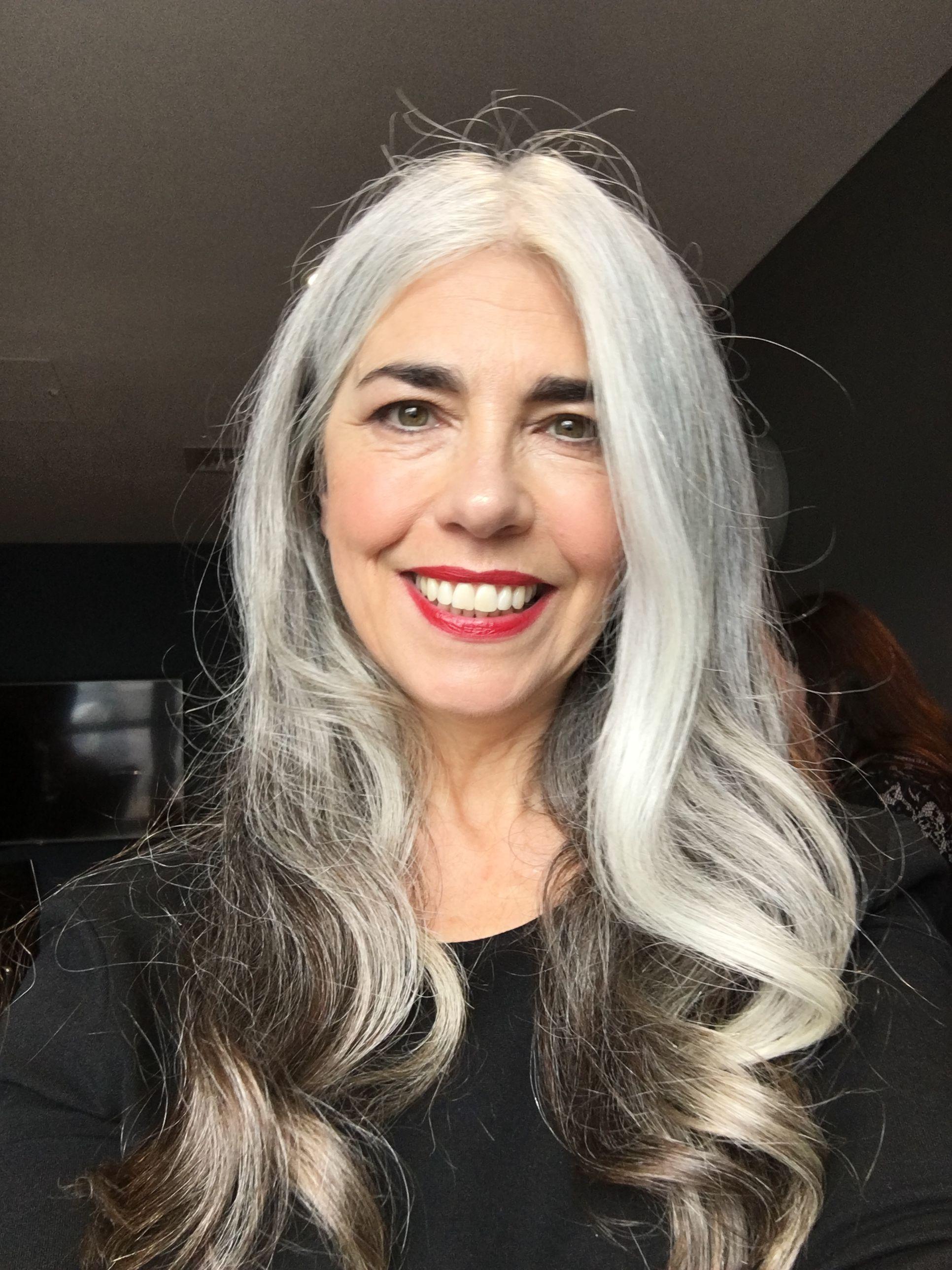 Graue Haare Lang Frisuren Graue Haare Mittellang 2019 11 28