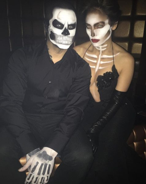 Jennifer Lopez and Casper Smart as Spooky Skeletons Celebrity - celebrity couples halloween costume ideas