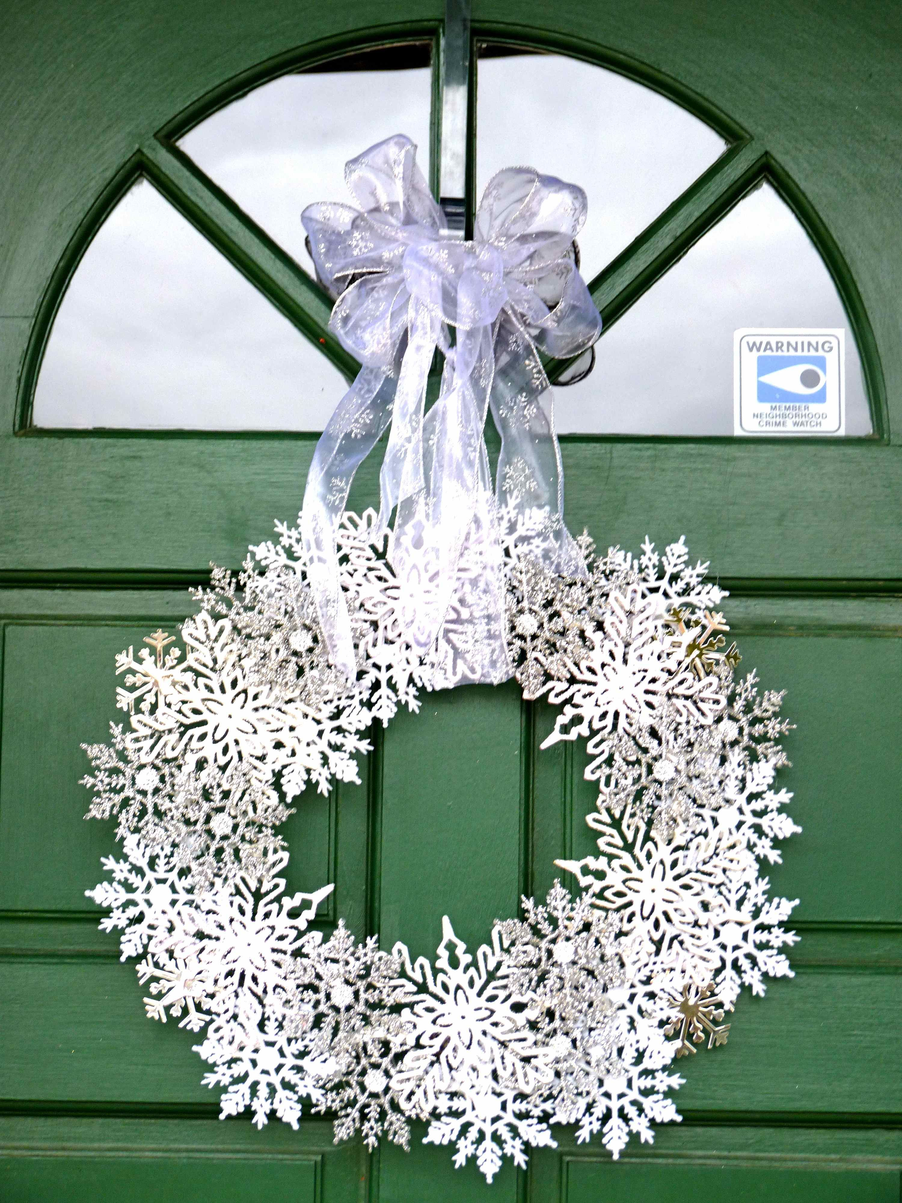 Winter Wreath Made With Inexpensive Plastic Snowflake Ornaments Hot Glue Glitter Ribbon Winter Wreath Diy Winter Wreath Diy Wreath